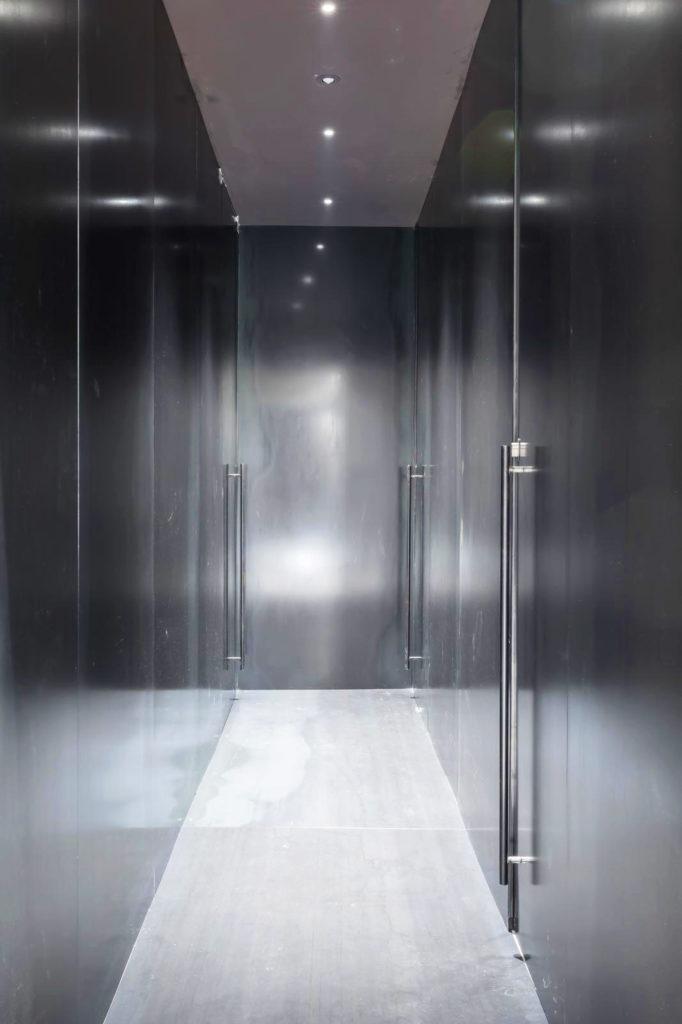 Metal-proget-complementi-d-arredo-in-ferro-rivestimenti-corridoio-hotel-babuino-roma