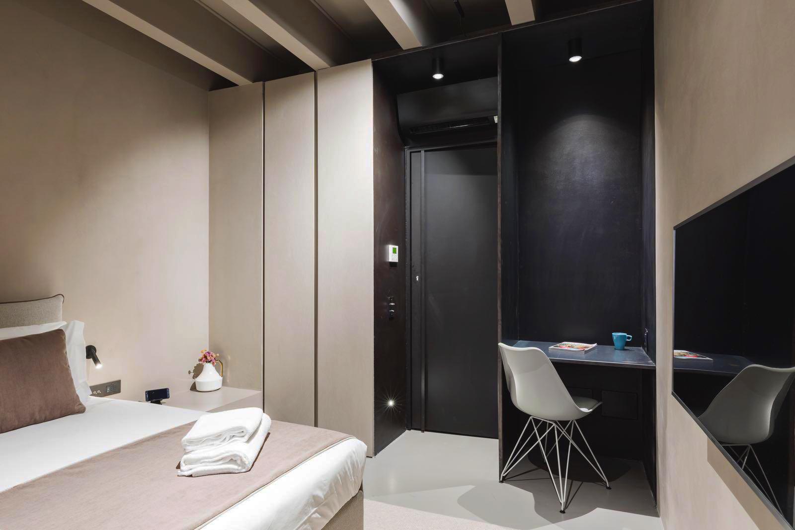 Metal-proget-complementi-d-arredo-in-ferro-stanza-hotel-babuino-roma